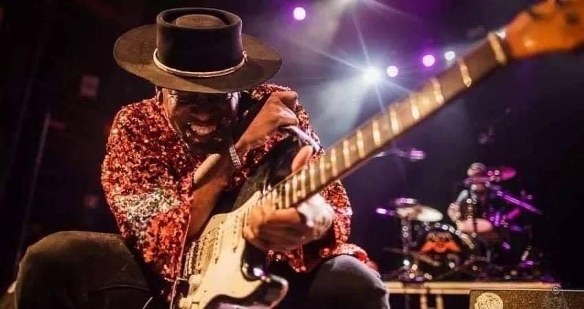 The Big Legrowlski to Host Guitarist Carvin Jones in May