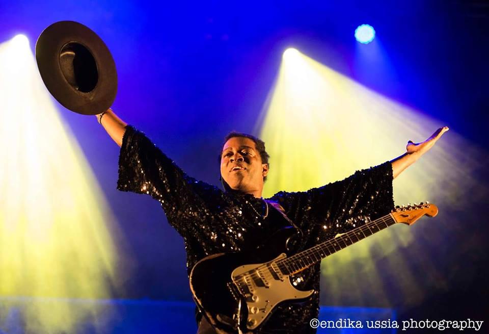 Guitar Dynamite – Carvin Jones Band